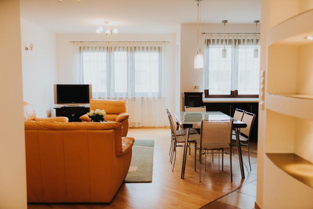 Część wypoczynkowa w obiekcie Elite Apartments by the Seaside Jelitkowski Dwór