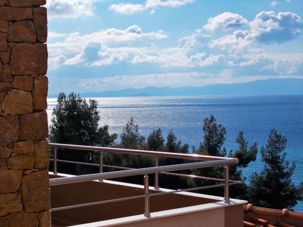 Γενική θέα στη θάλασσα ή θέα στη θάλασσα από  αυτή η βίλα