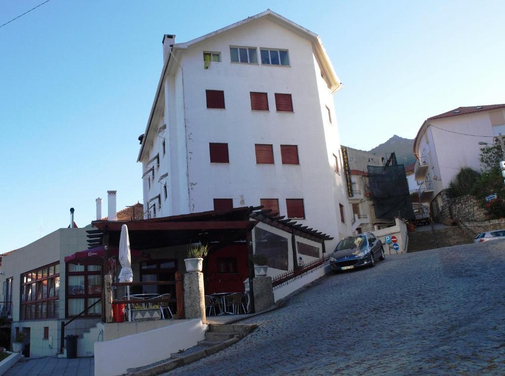 O edifício onde a casa de hóspedes está situado