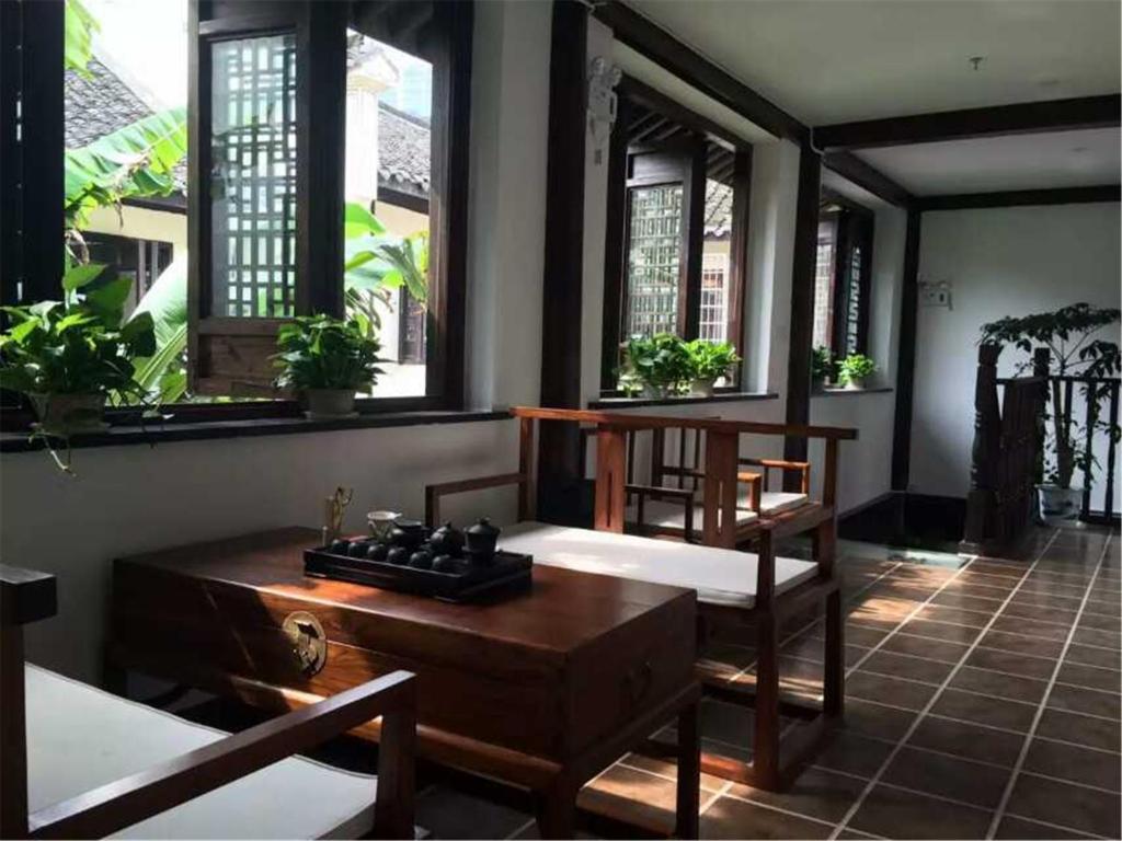 RuTang Inn