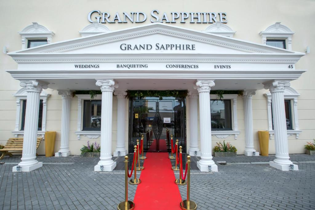 Grand Sapphire Hotel & Banqueting - Laterooms