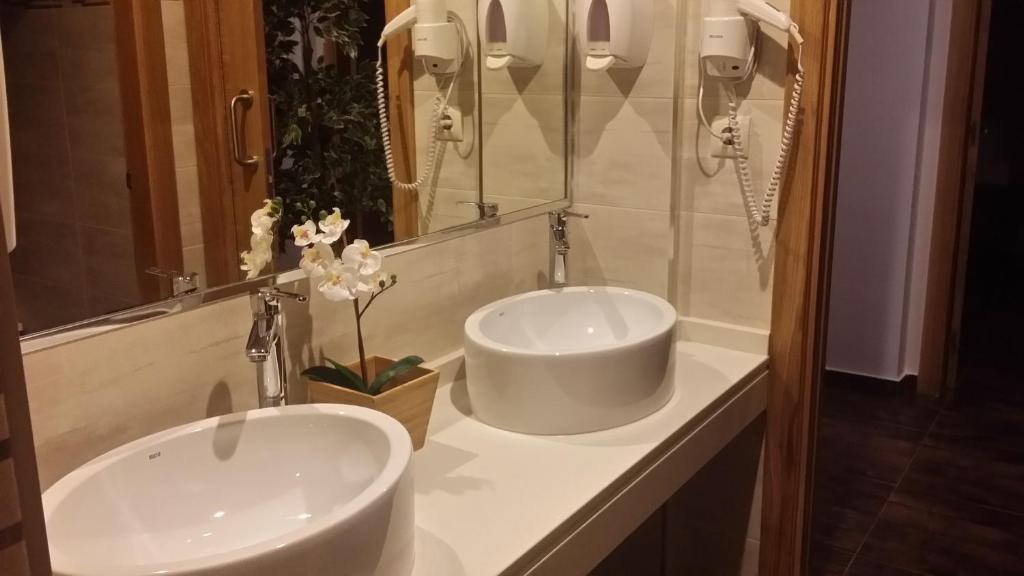 A bathroom at Albergue Ultreia