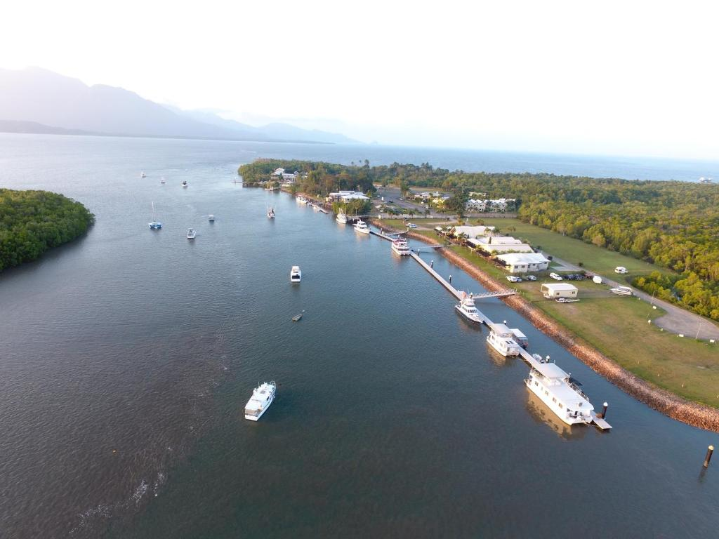 A bird's-eye view of Lucinda Fishing Lodge