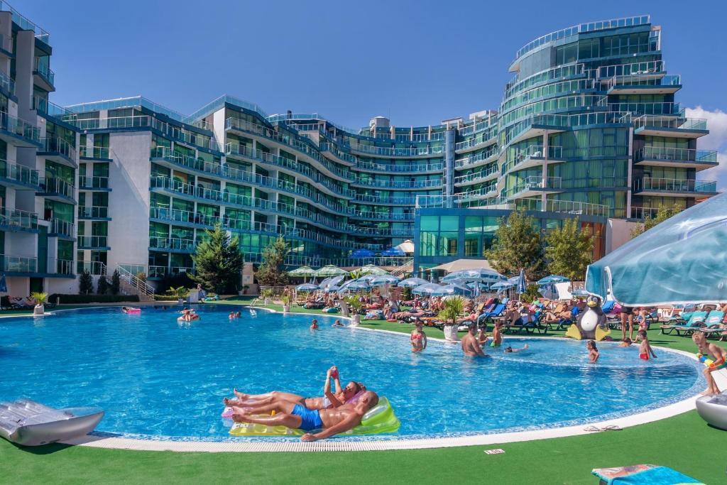 The swimming pool at or near Hotel Primorsko Del Sol