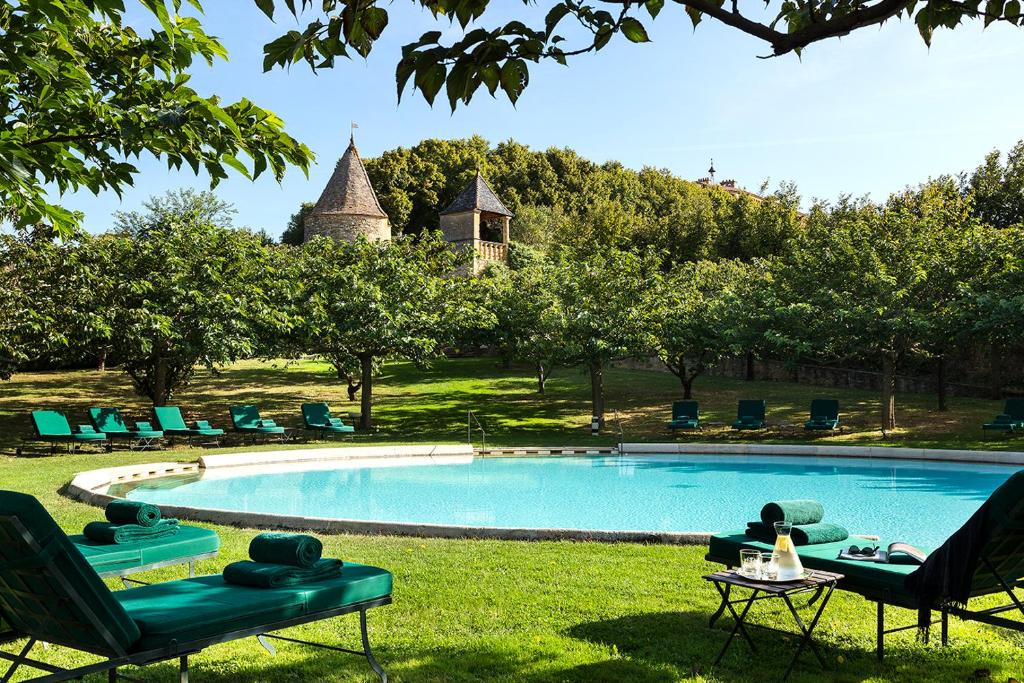 The swimming pool at or near Château de Bagnols