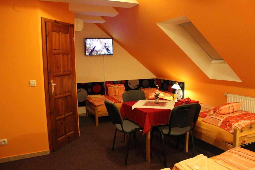 Ресторан / где поесть в Dj-penzion