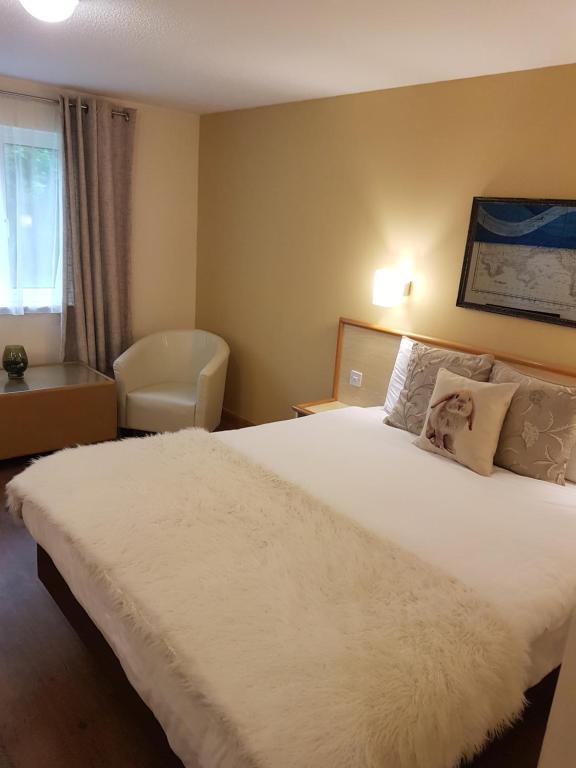 Travel Plaza Hotel - Laterooms
