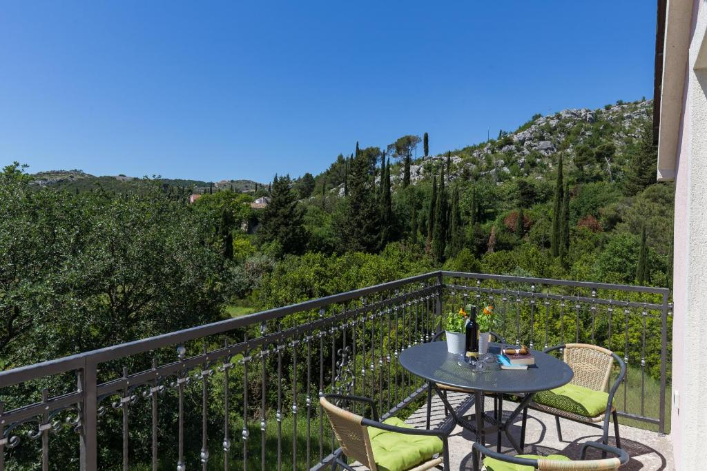 A balcony or terrace at Apartment Green Oase