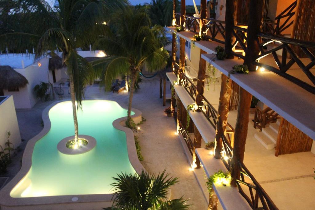 Ein Blick auf den Pool von der Unterkunft Tierra Mia Boutique Hotel oder aus der Nähe