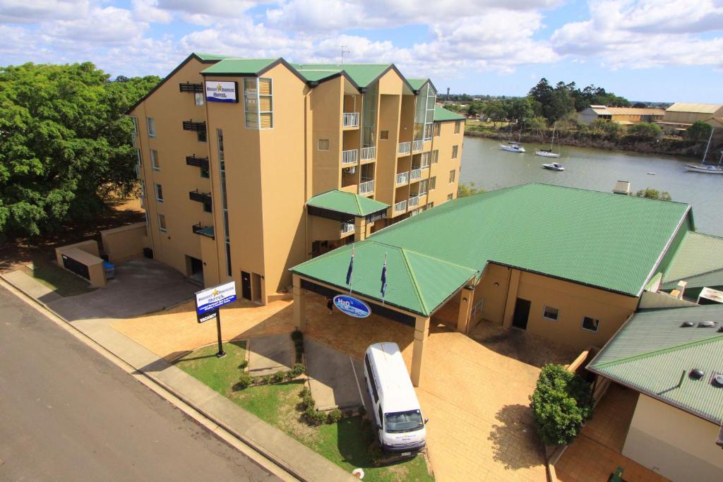 A bird's-eye view of Burnett Riverside Hotel