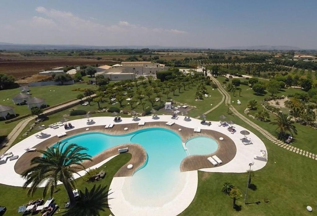 A bird's-eye view of Hotel Borgo Pantano