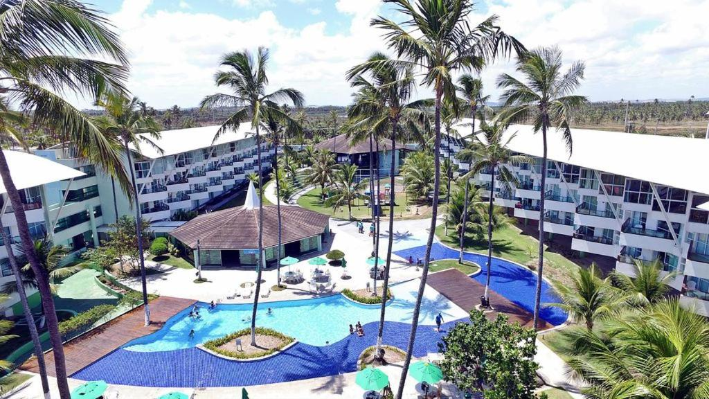 A view of the pool at Flat Ancorar Porto de Galinhas or nearby