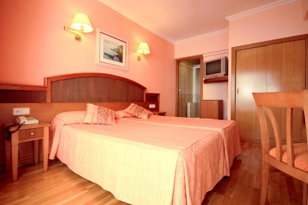 Hotel Manaus El Arenal, Spain