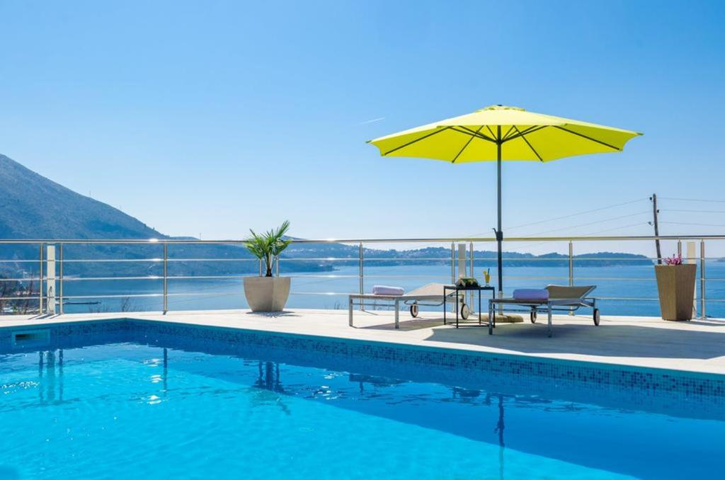 The swimming pool at or close to Beautiful Sea View Apartment