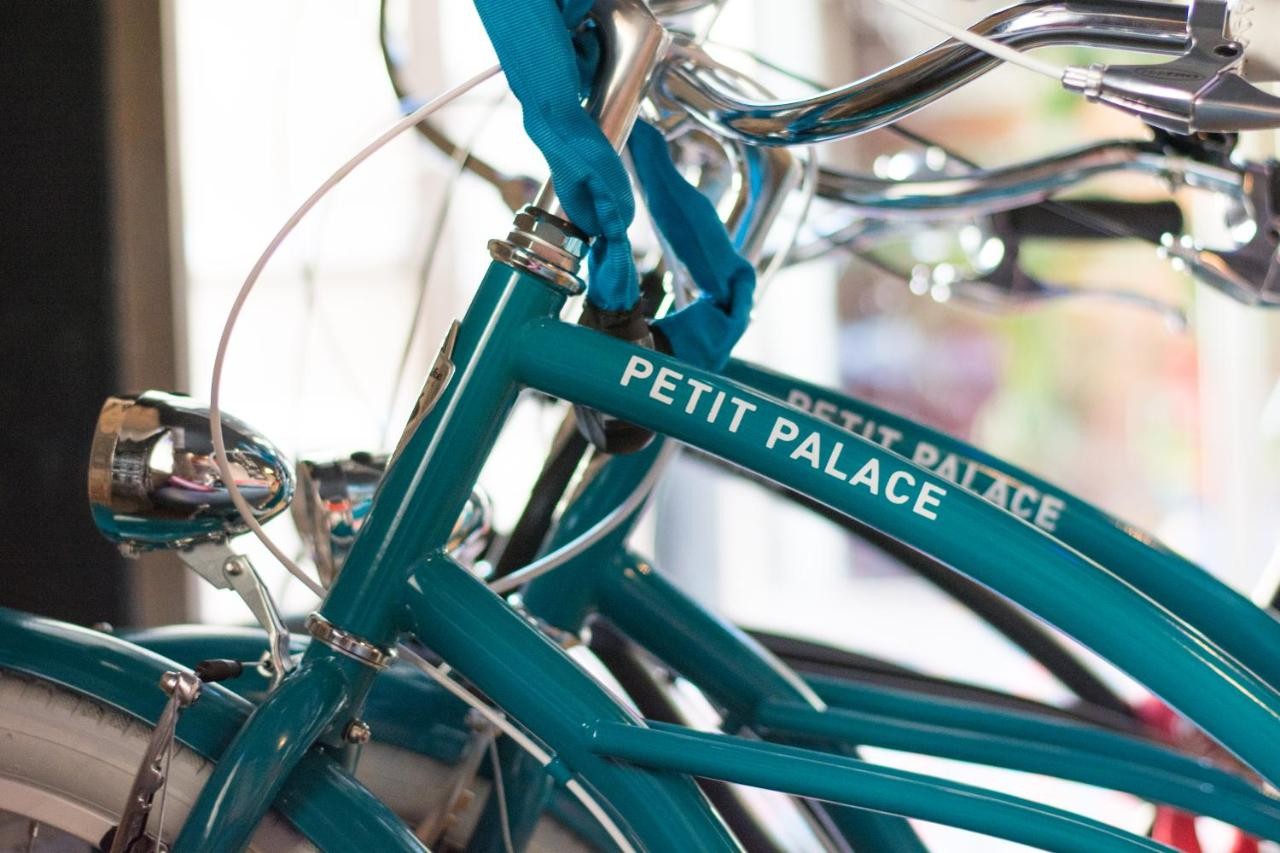 Petit Palace Lealtad Plaza - Laterooms