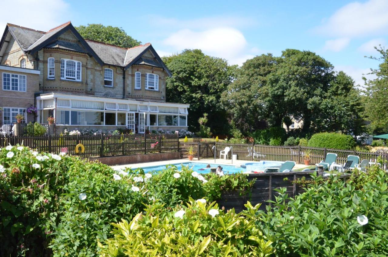 Luccombe Hall Country House Hotel - Laterooms