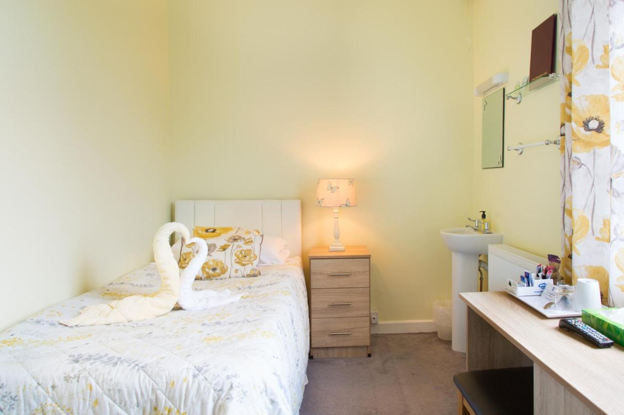 The Firs Guest House - Laterooms