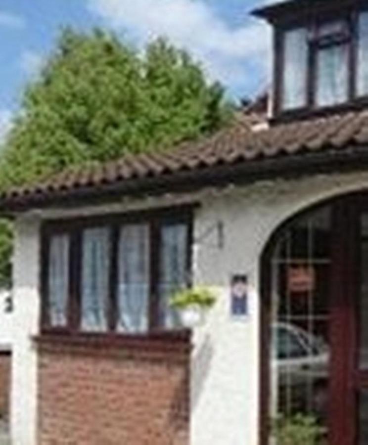 Bridge Guest House - Laterooms