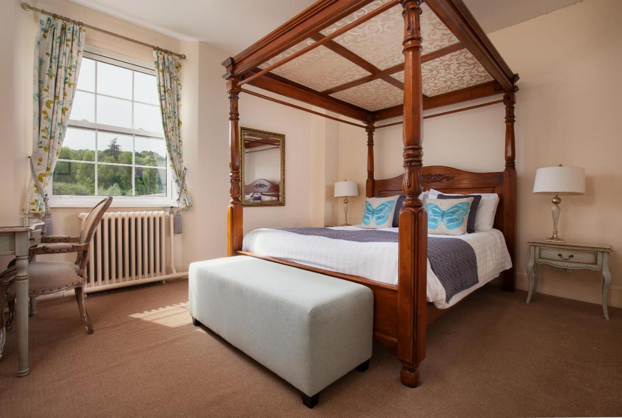 The Fox & Hounds Country Hotel - Laterooms