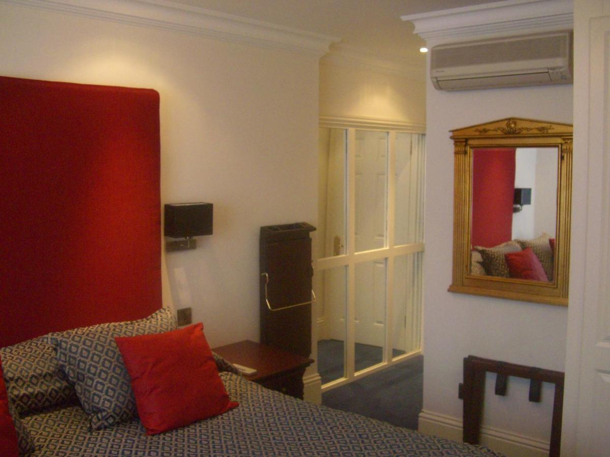La Suite Hotel - Laterooms