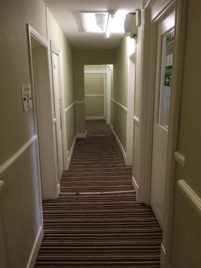 George Hotel - Laterooms