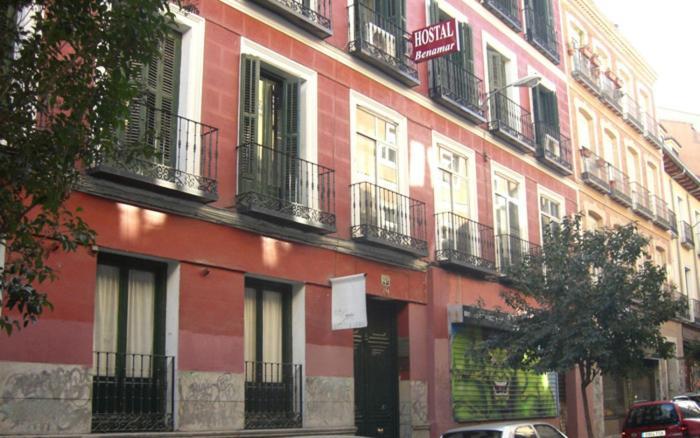 Miguel Angel Hostal Residencia - Laterooms
