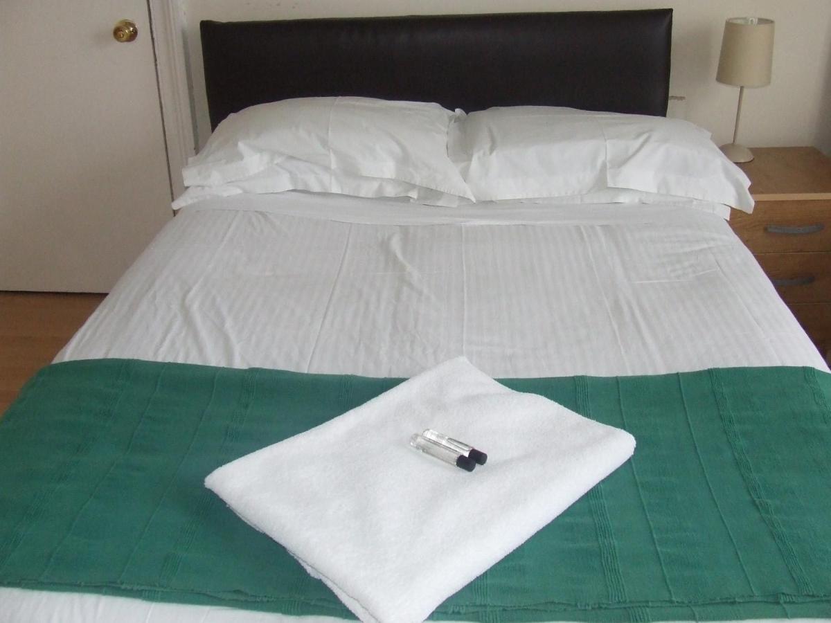 Cedarshouse Hotel - Laterooms
