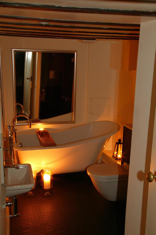 The Manor Hotel - Laterooms