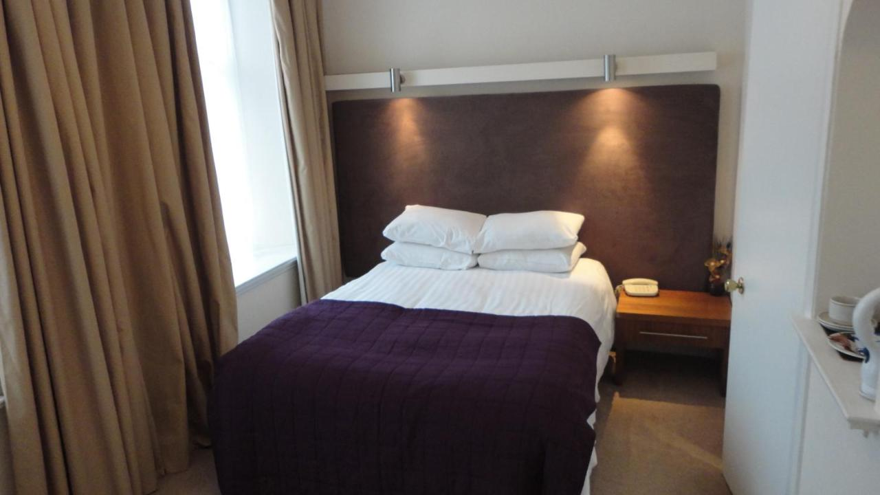 Sandyford Hotel - Laterooms