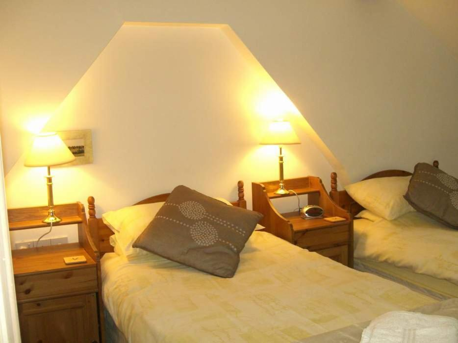 Montacute Country Tearooms B&B; - Laterooms