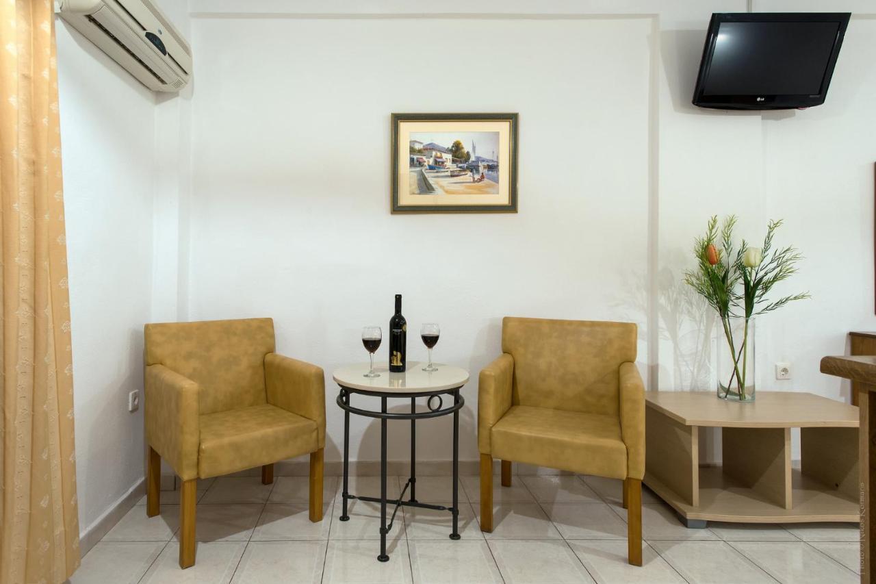 Philippos Hotel - Laterooms
