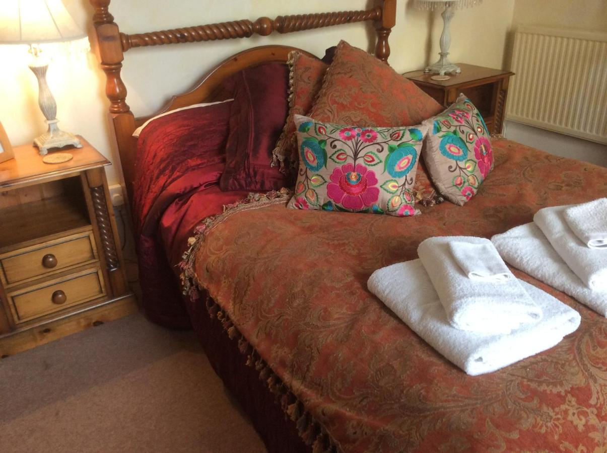 Cheltenham Lawn & Pittville Gallery - Laterooms