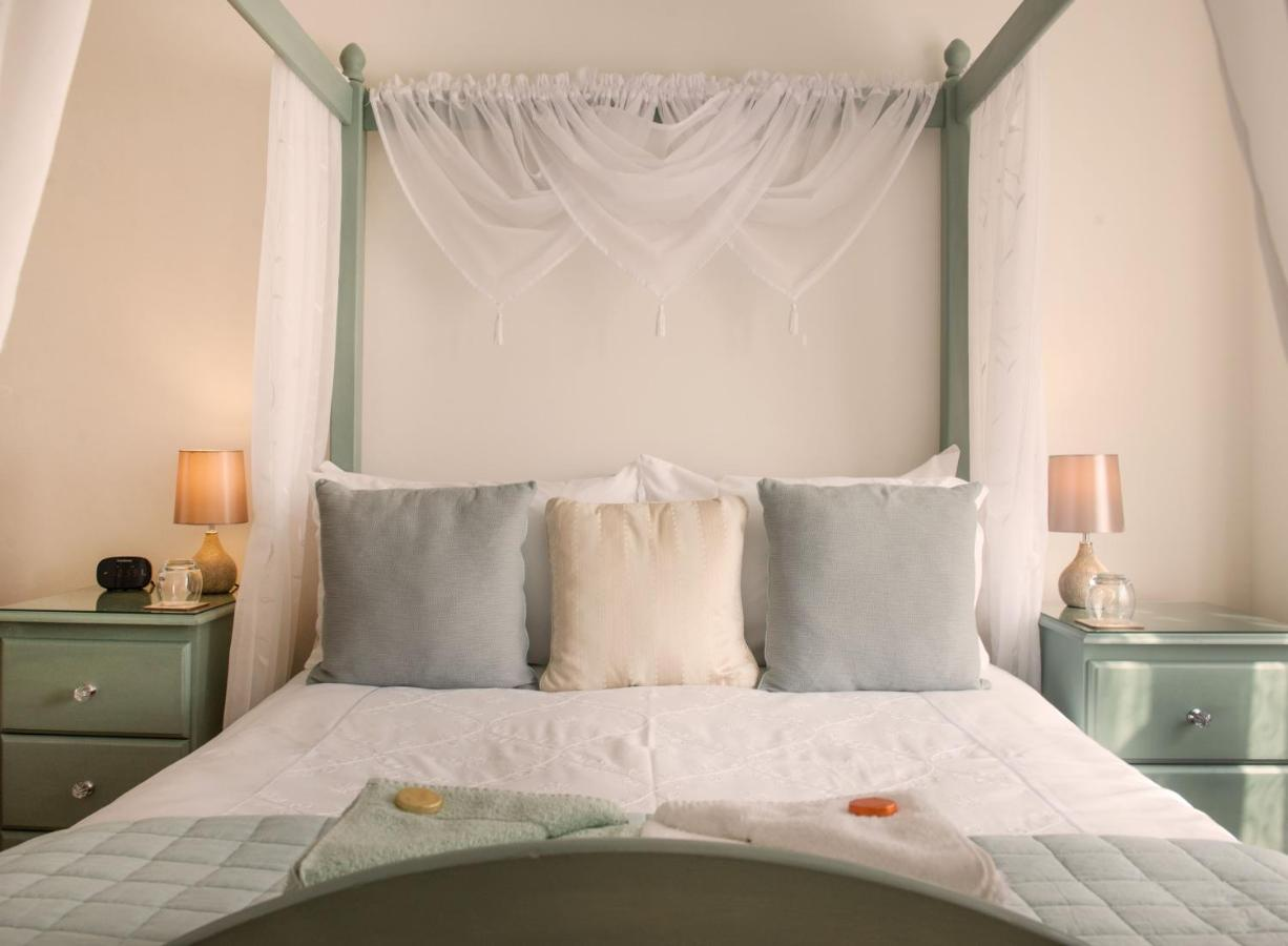 Blue Waters Lodge - Laterooms