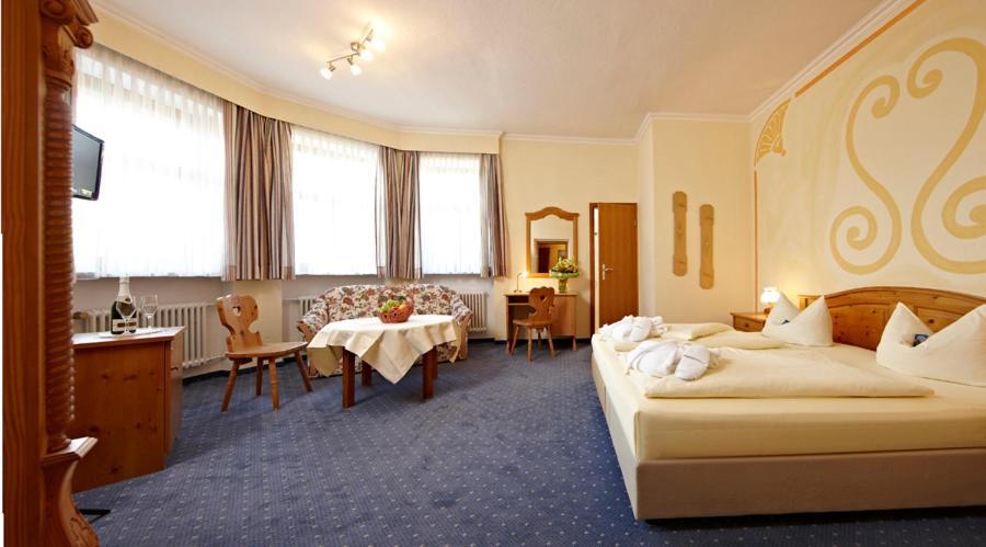 Hotel Vier Jahreszeiten - Laterooms