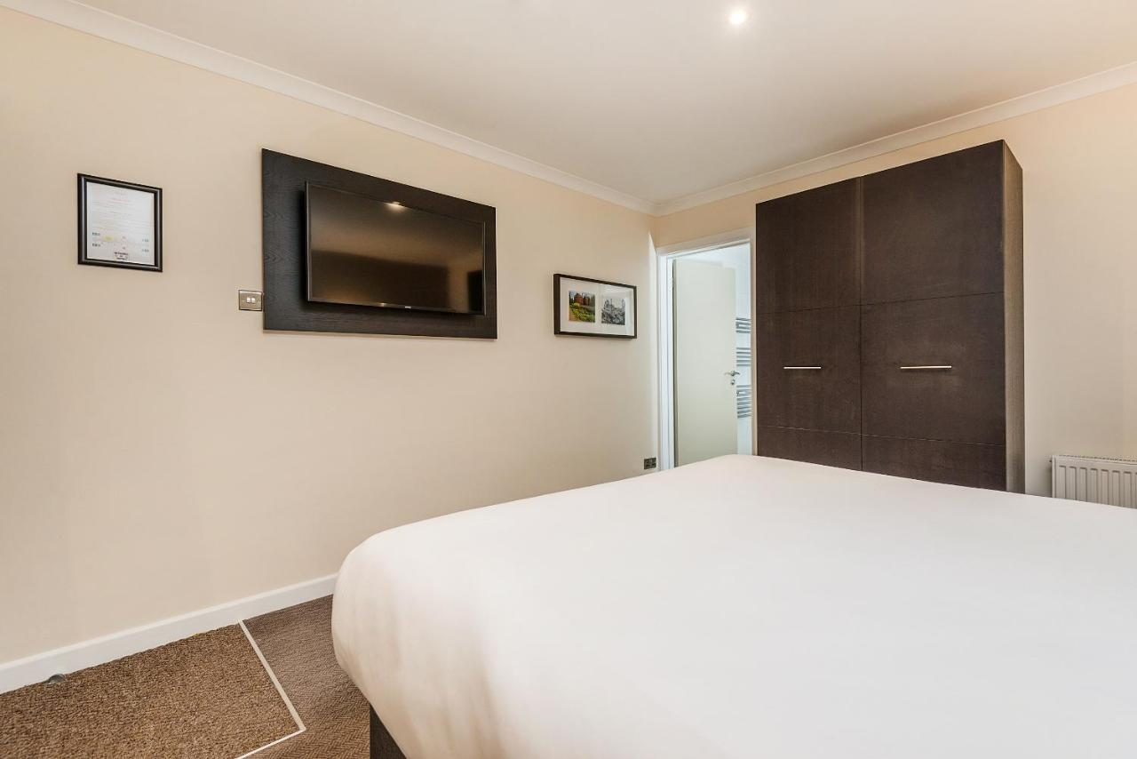 New Place - Laterooms