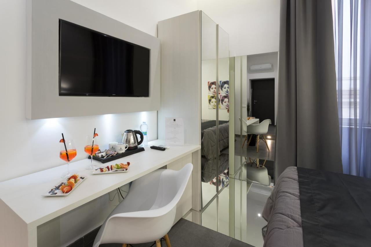 HOTEL NAPLES - Laterooms