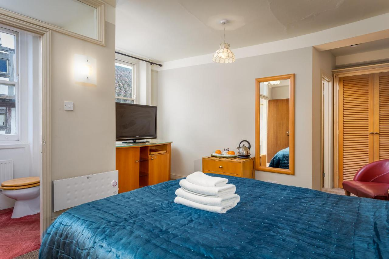 The Abbey Hotel - Laterooms