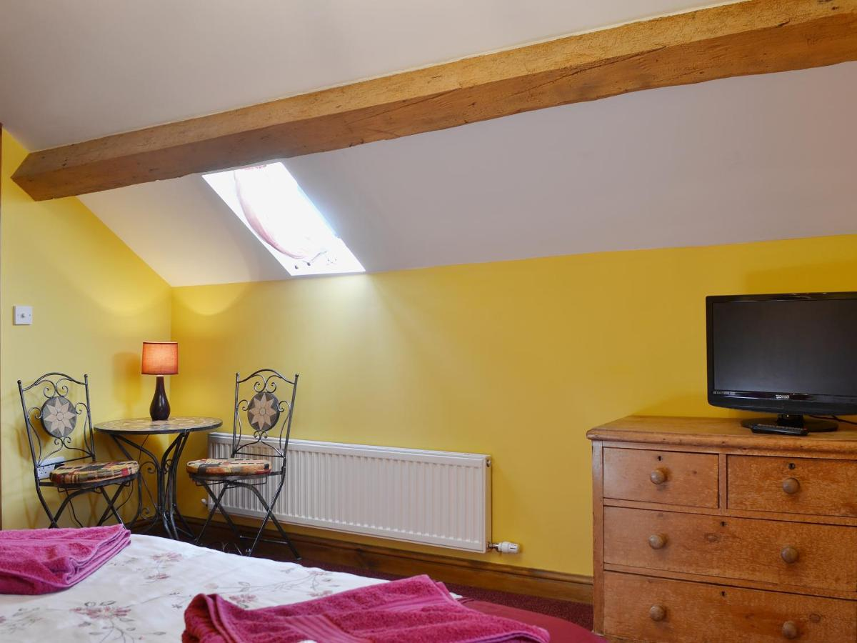 The Old Forge B and B and Holiday Barn - Laterooms