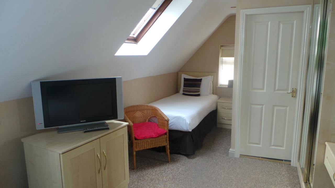 The Peacock TownHouse Hotel - Laterooms