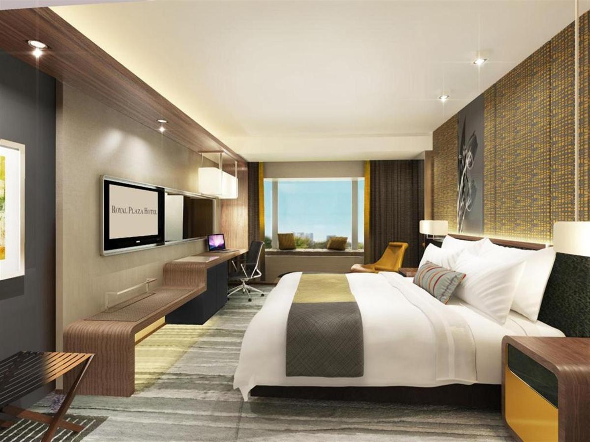 Royal Plaza Hotel - Laterooms