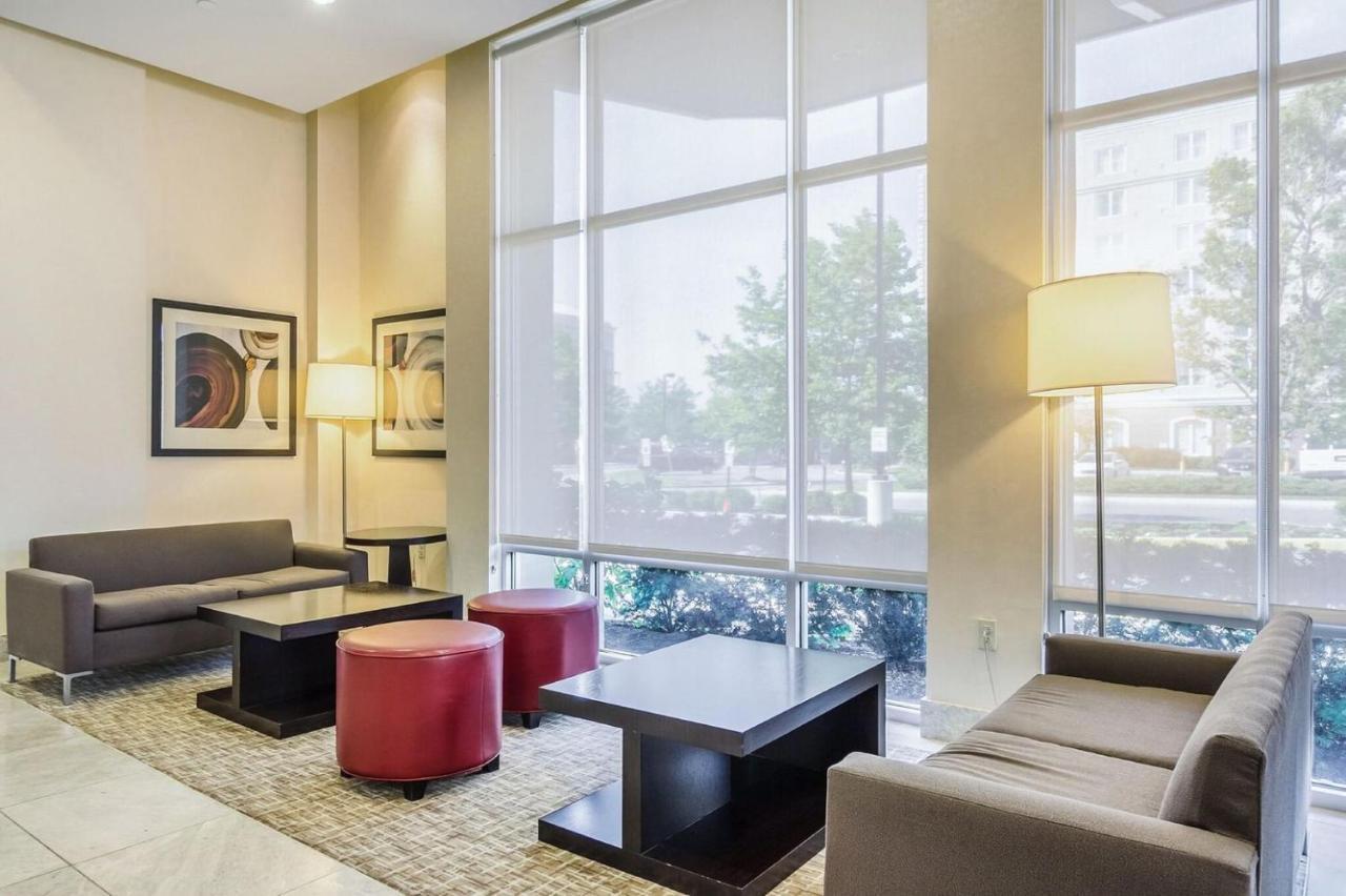 Embassy Suites Newark Airport - Laterooms