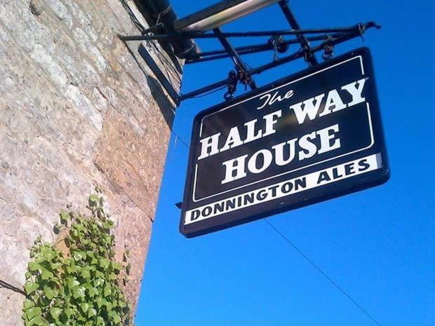 Halfway House - Laterooms