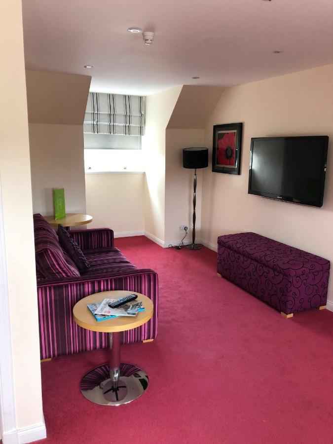 Clubhouse - Laterooms