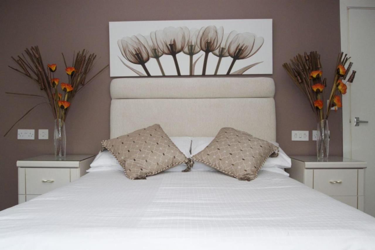La Suisse Service Apartments - Laterooms