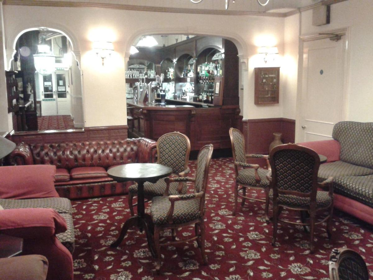 The Regency Hotel - Laterooms