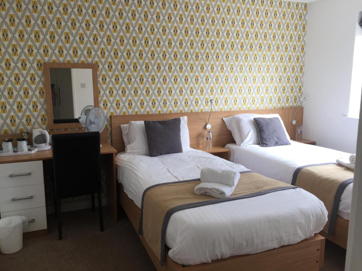 Llangeview Lodge - Laterooms