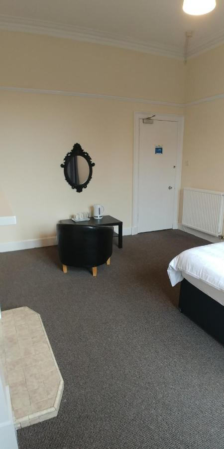 Mayfair Guest House - Laterooms