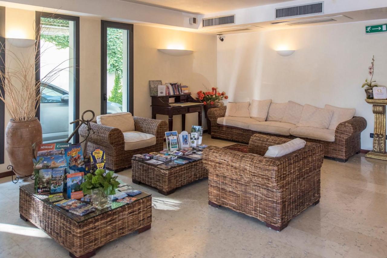 Admiral Hotel Villa Erme - Laterooms