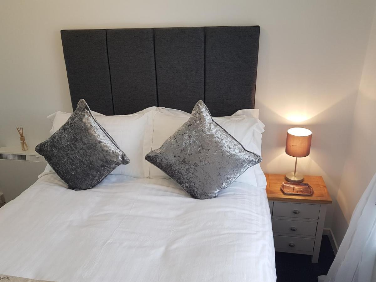 Riverside Apartments - Laterooms
