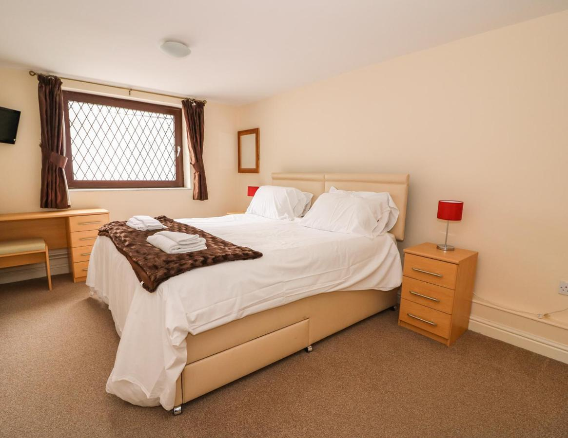 Old Tredegar - Laterooms